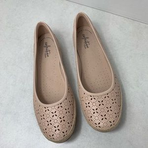 Clarks Collection Flats Sz 8